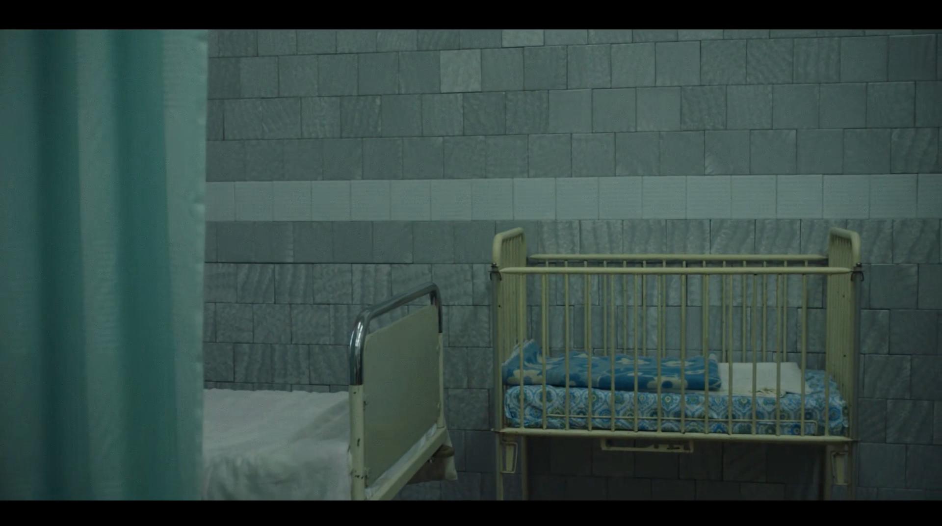 柳德米拉空荡的婴儿床